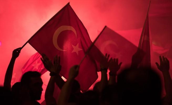 """""""Катимерини"""": Путин пратил на Ердоган спецназ в разгара на преврата"""