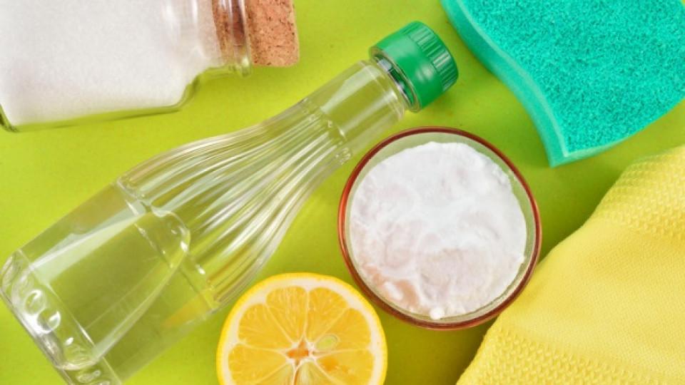 Как да почистите банята си с оцет и лимонов сок