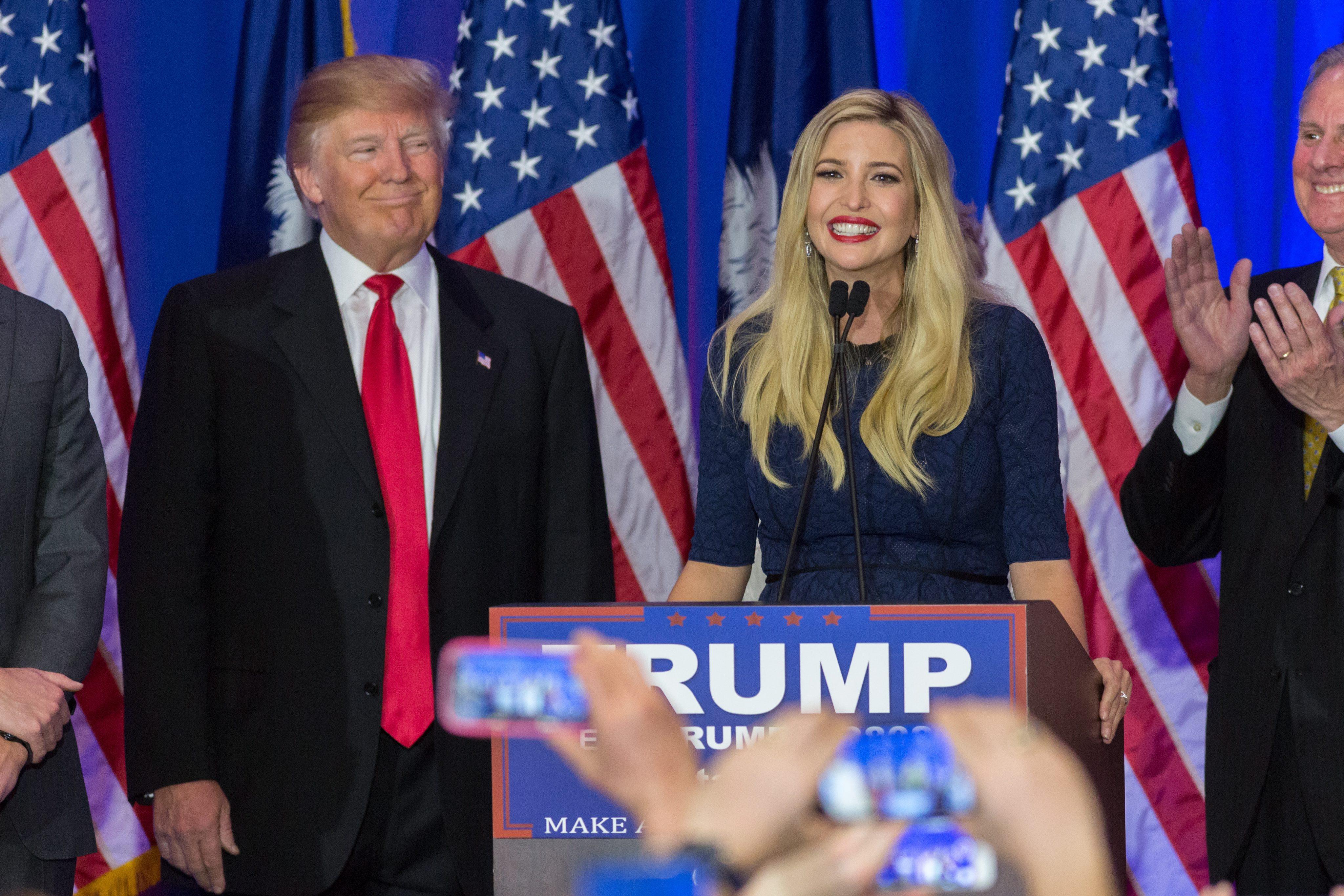 Красива и умна, Иванка Тръмп е любимата дъщеря на Доналд Тръмп. Тя е и най-ефикасното му оръжие в кампанията и дори най-яростните му противници не намират какво да кажат срещу нея. И ако някой може да помогне на републиканския кандидат за Белия дом да спечели на своя страна американските избирателки, повечето от които са враждебни към кресливия Тръмп, това е Иванка.
