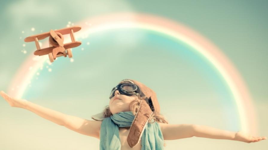 дете дъга небе щастие