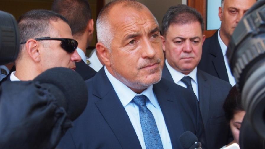 Спор в кабинета да има ли оставка, Борисов се появи