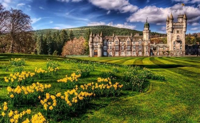 Най-интересните кътчета от дома на кралица Елизабет II