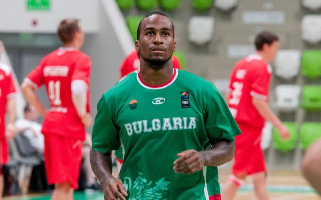Американец ще играе второ лято за България
