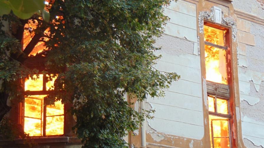 Кметът на Пловдив не знае на кого са складовете