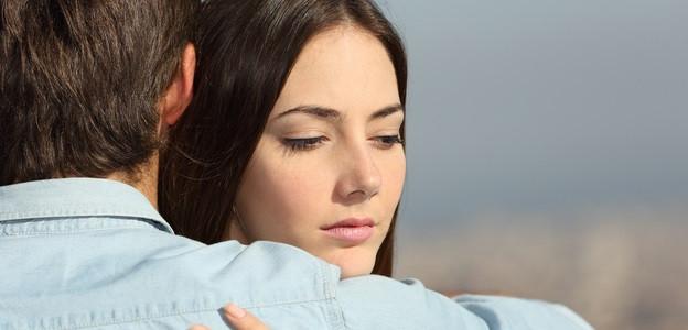 Телец -  Телците са хора с чисти души и простички разбирания за живота. Те търсят щастието в най-чистата му форма и се стремят към дълги и здрави връзки. Често пъти са доста ревниви точно заради страха си от изневяра. Съзнанието им не може да намери основателна причина, поради която някой може да им изневери. Когато това се случи, Телците променят коренно отношението си. Събират си багажа и си тръгват на секундата. Често пъти дори не проговарят на бившите си половинки, защото за тях изневярата е немислима. Запомнете едно – Телците никога не се връщат при човек, който им е изневерил.