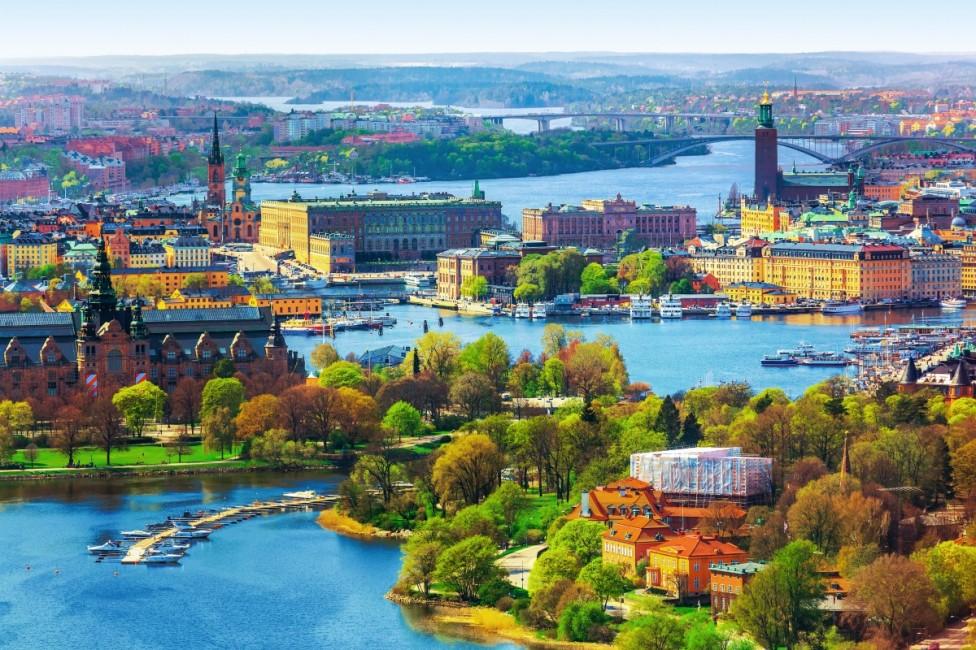 - 10. Швеция -страна, чието население показва високо ниво на удовлетвореност от живота. Тяхната тайна е шведската традиция на Fika, думата се използва...