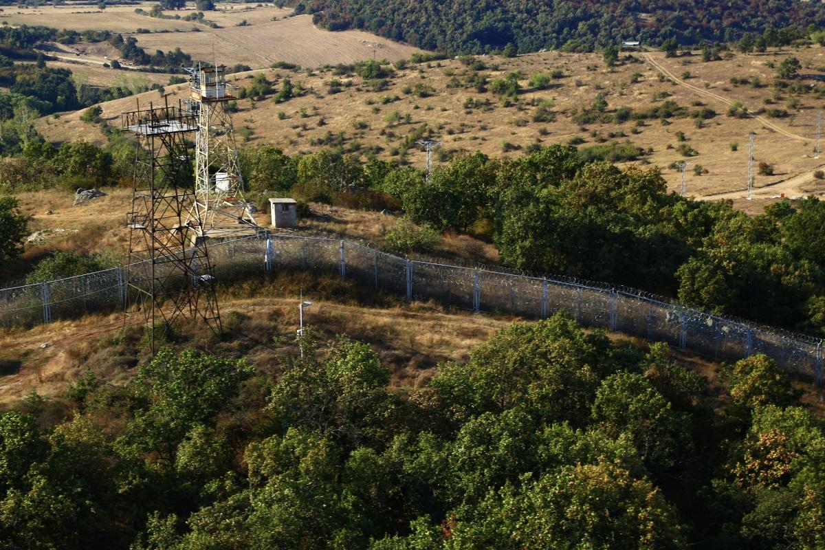 Българският премиер показа на унгарския си колега как се охранява българо-турската граница