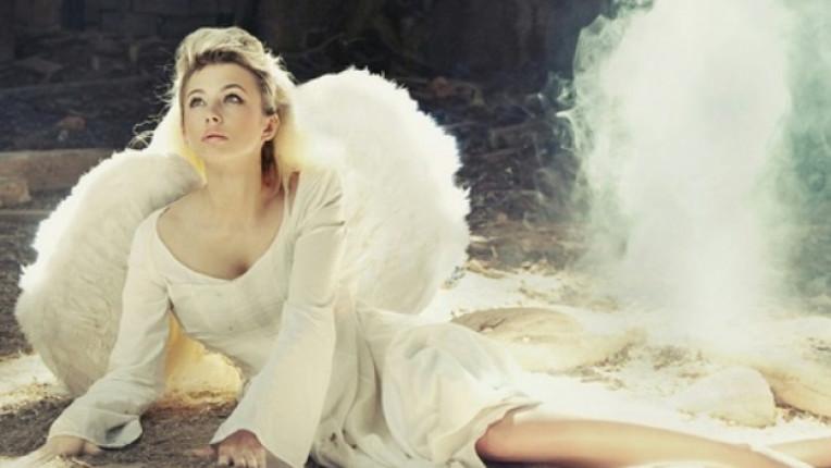 жена ангел крила