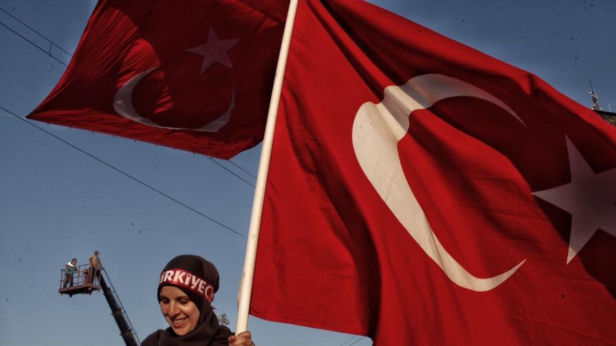 ДАНС гони турци, създавали антибългарски настроения