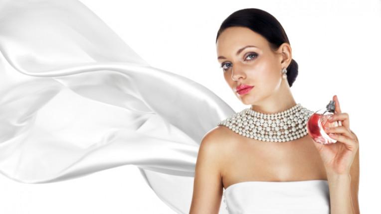парфюм аромат бяло жена ухание козметика