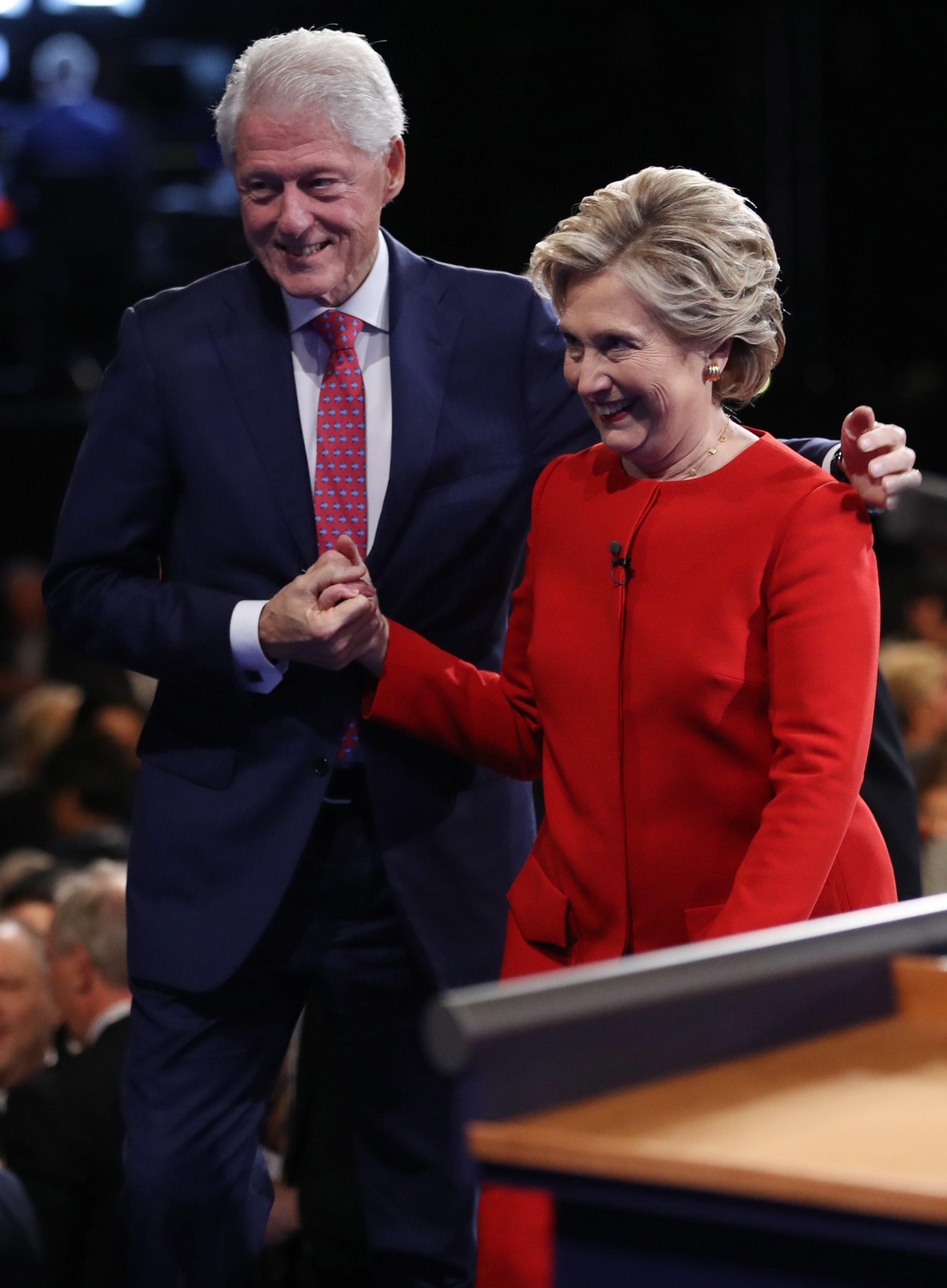 Хилари Клинтън също получи подкрепата на съпруга си.