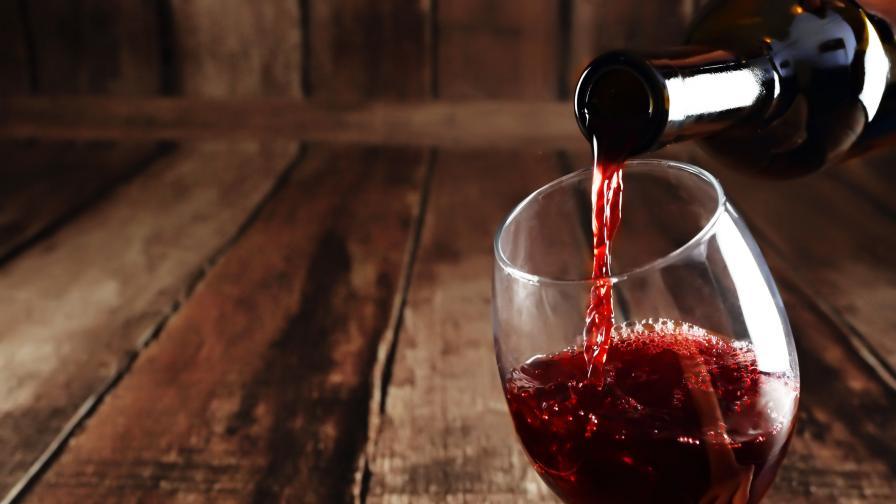 Браншът: Половината алкохол в България е нелегален