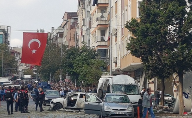 Мотор бомба избухна в Истанбул