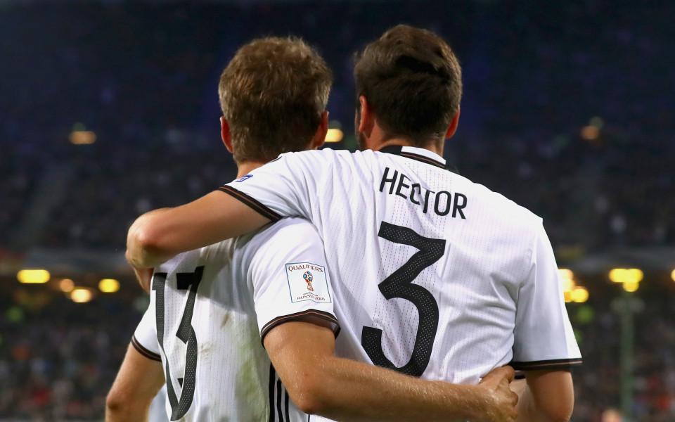 Тони Кроос и Йонас Хектор отпаднаха от състава на Германия