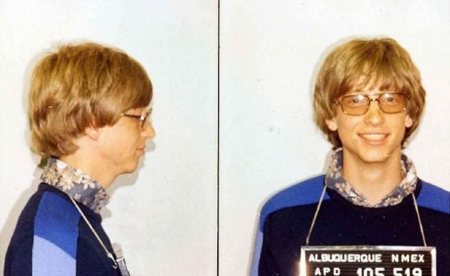 Бил Гейтс е бил задържан за кратко през 1977 г. заради пътно нарушение