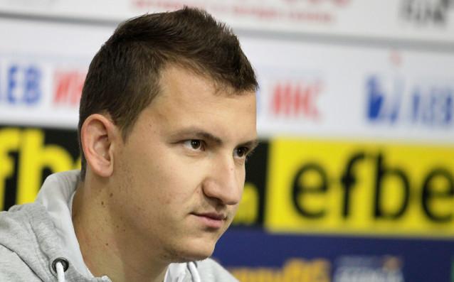 Тодор Неделев остава в Ботев Пловдив