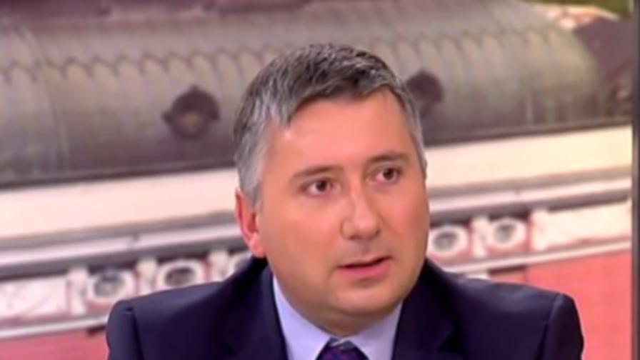 Нов запор на акции на Иво Прокопиев и възбрана за имоти