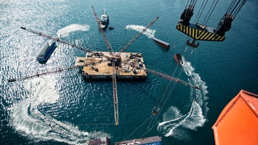 Ето какво може да постигнете с товарен кран и корабни контейнери