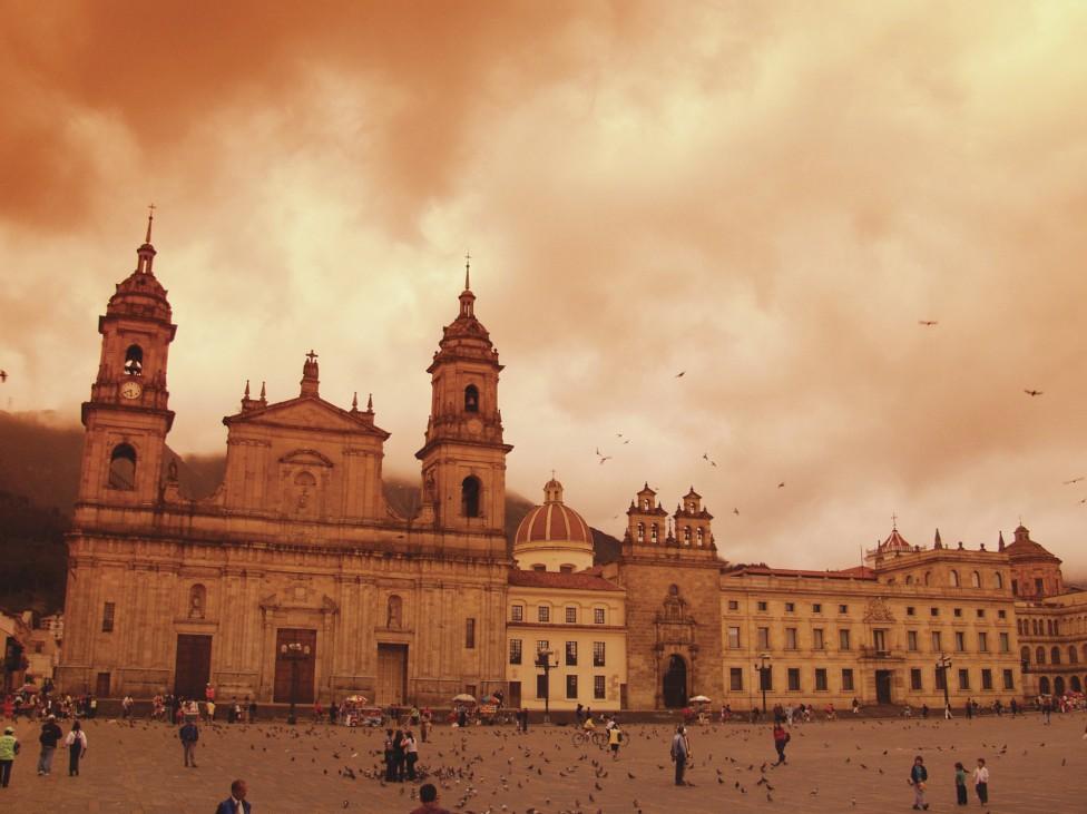 - Столицата на Колумбия Богота е красив и екзотичен град, непрекъснато разкъсван от множество граждански войни и кръвопролития. В резултат на...