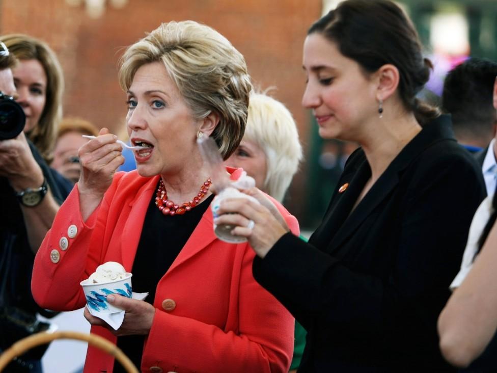 - Хилари Клинтън е страстен почитател на лютите чушки заради положителното им действие върху имунната система. Сутрин тя започва деня с прясно люто...