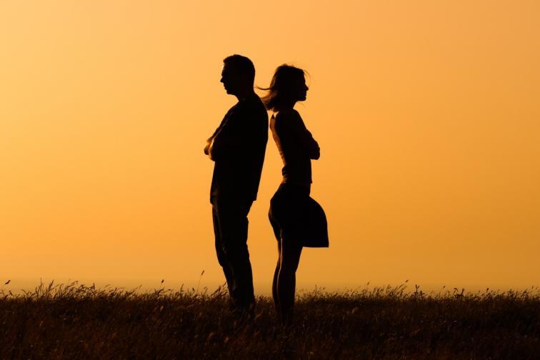 брак връзка влюбени скандал спор мъж жена