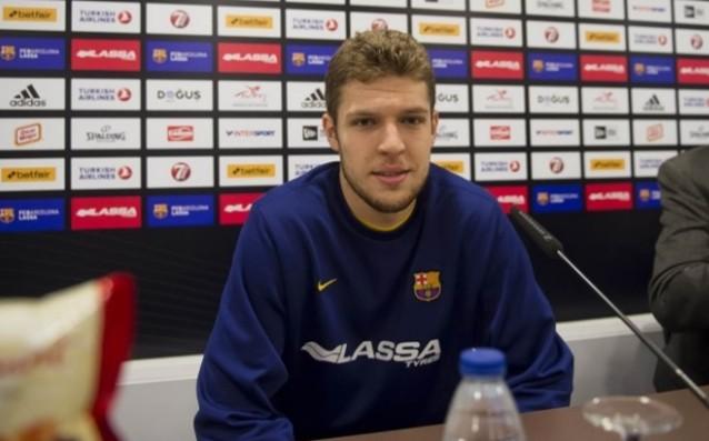 Александър Везенков източник: twitter.com/FCBbasket