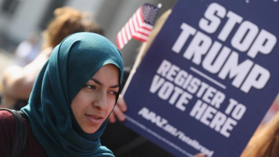 Защо Тръмп разплака безутешно 5-год. мюсюлманче