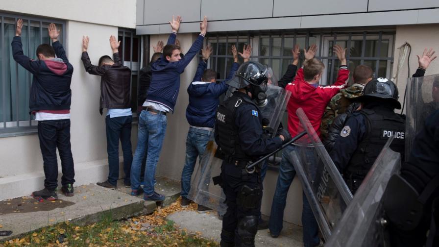 Спряха джихадисти, планирали атентат срещу футболен отбор