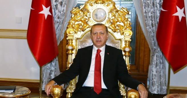 След извънредна среща на турския премиер Бинали Йълдъръм с президента