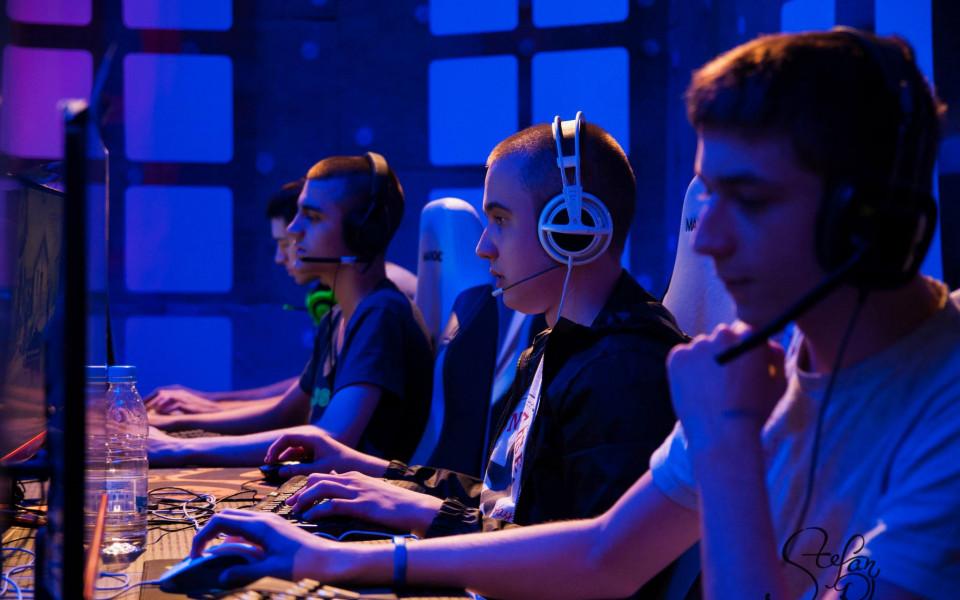 Момчетата от Outlaws ще ни представят на състезание по CS:GO в Сърбия