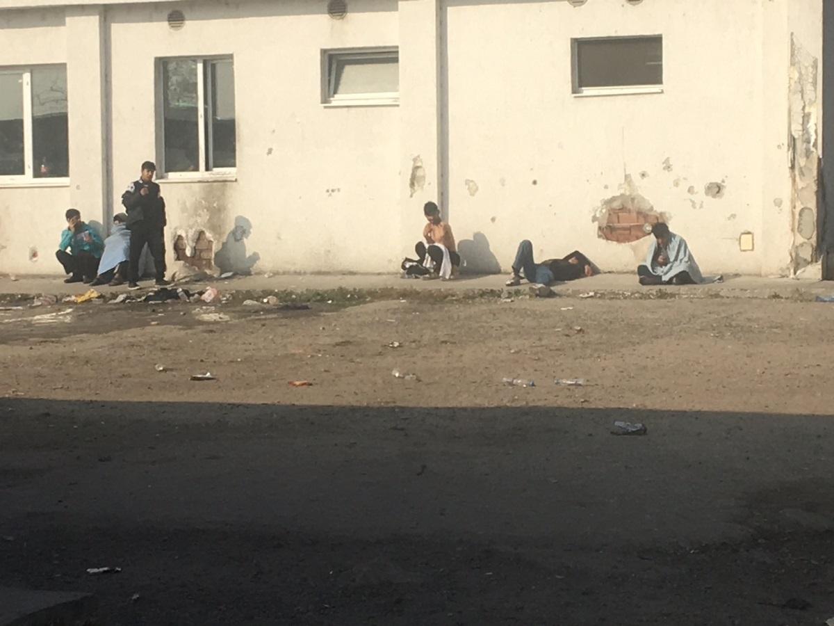 Омбудсманът Мая Манолова посети днес бежанския център в Харманли и разпространи снимки