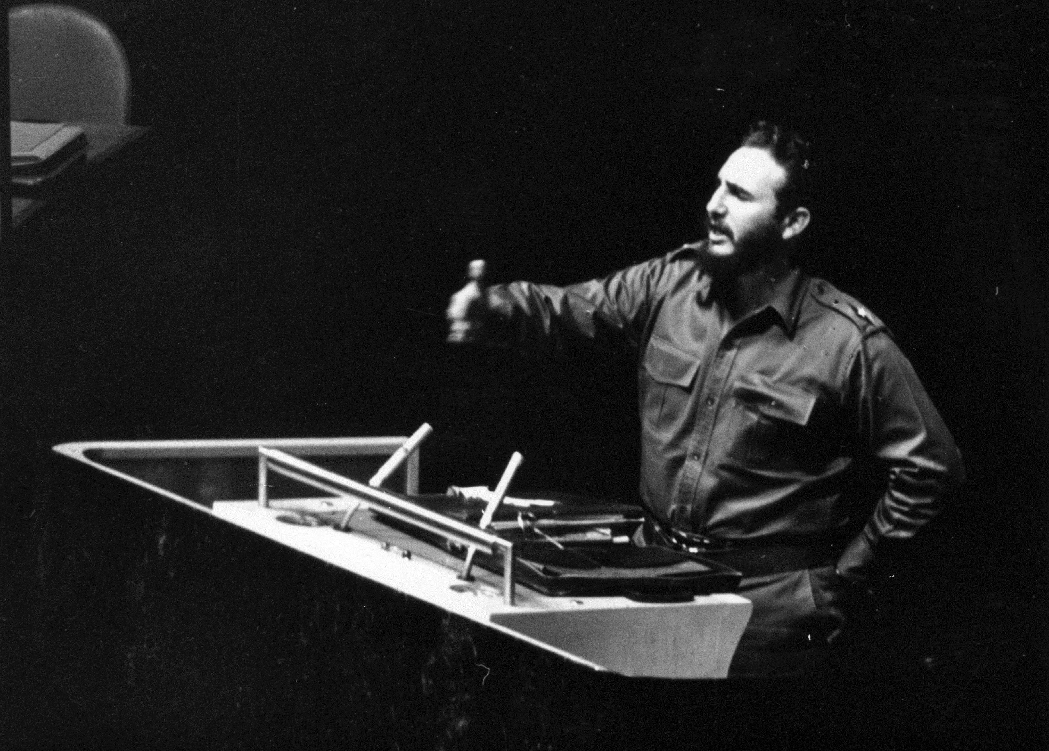 Фидел Кастро държи реч пред Генералната асамблея на ООН.