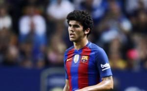 Топ талантът на Барселона подновява договора си