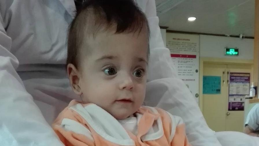 Да помогнем на бебе Бориса в борбата за живот