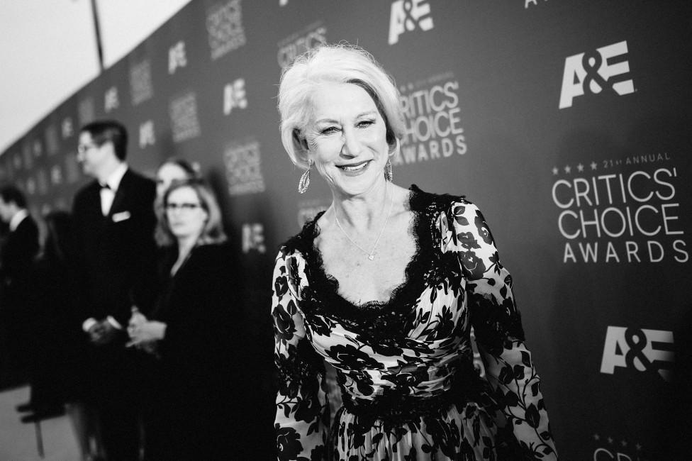 """- """"Сексапилът ще ме преследва до гроба"""", каза актрисата Хелън Мирън, която е смятана за една от най-красивите и горещи жени в Холивуд и то на 71 г. В..."""