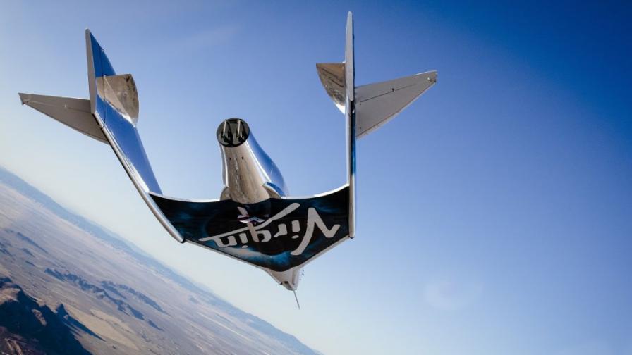 Космическият самолет на Virgin завърши първия полет