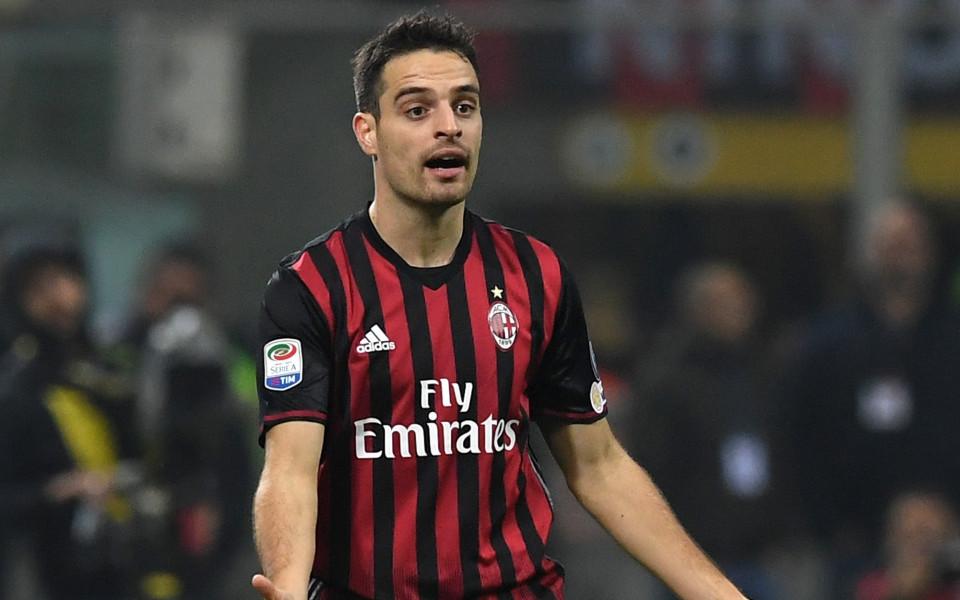 Милан удължи договора на основен футболист
