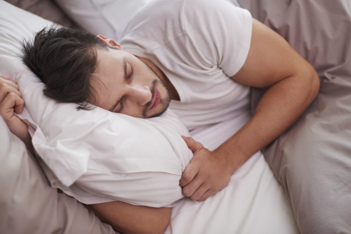На този ден момците поставят ечемик под възглавницата си. Според поверието ергените ще се оженят за девойките, които са сънували през нощта.