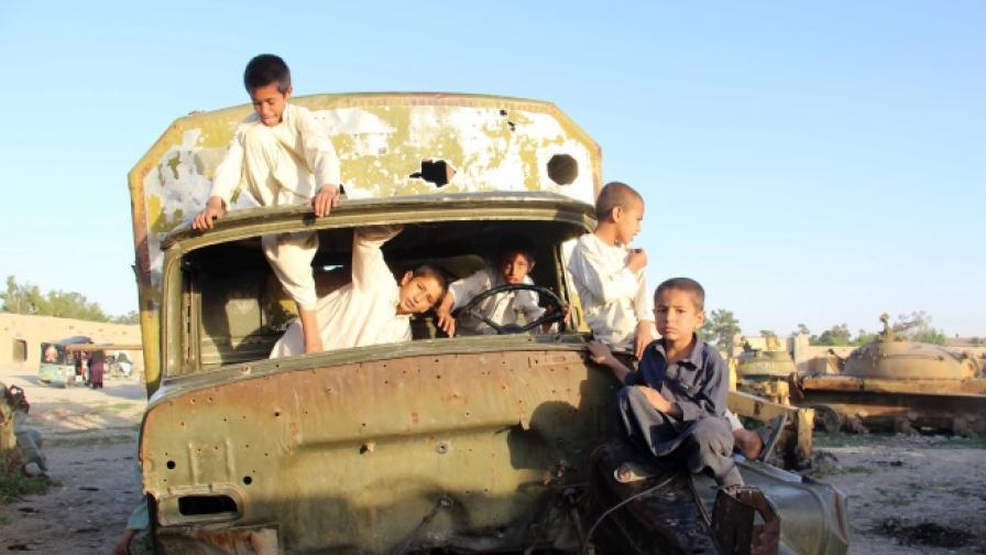 <p>САЩ и службите убиват повече хора от талибаните</p>