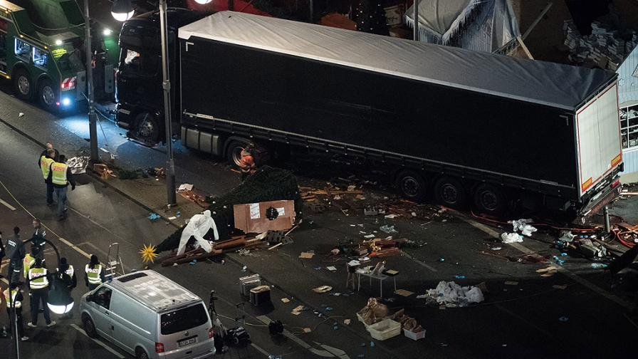 Меркел: Това беше терористичен акт