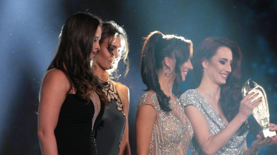 Вижте златните момичета - млади и уникално красиви