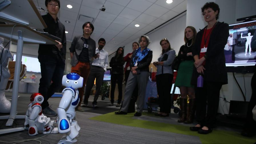 IBM разработва робот, който да се грижи за възрастни хора