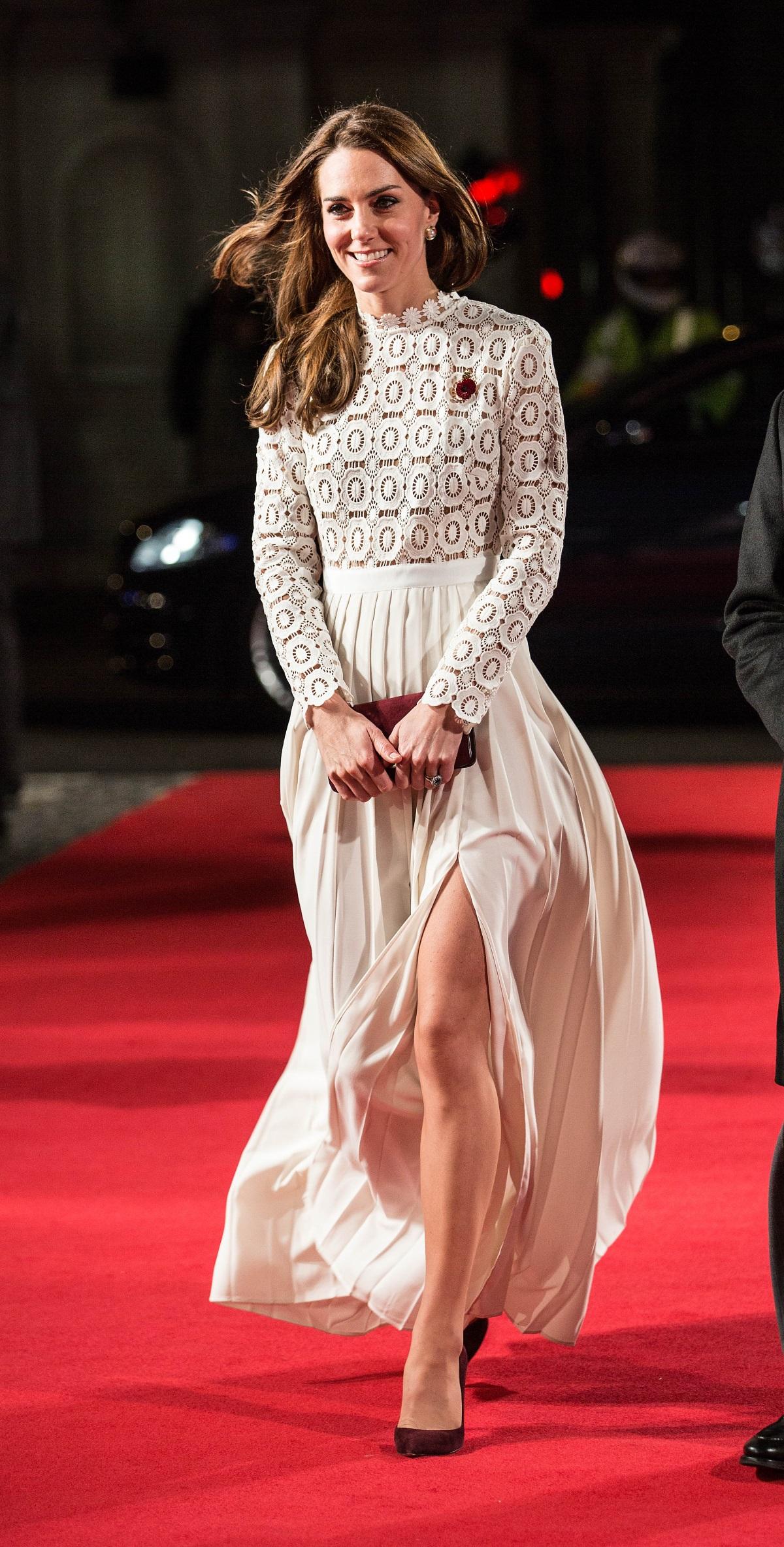 """Кейт Мидълтън на световната премиера нафилма """"Уличният котарак Боб"""" в Лондон"""