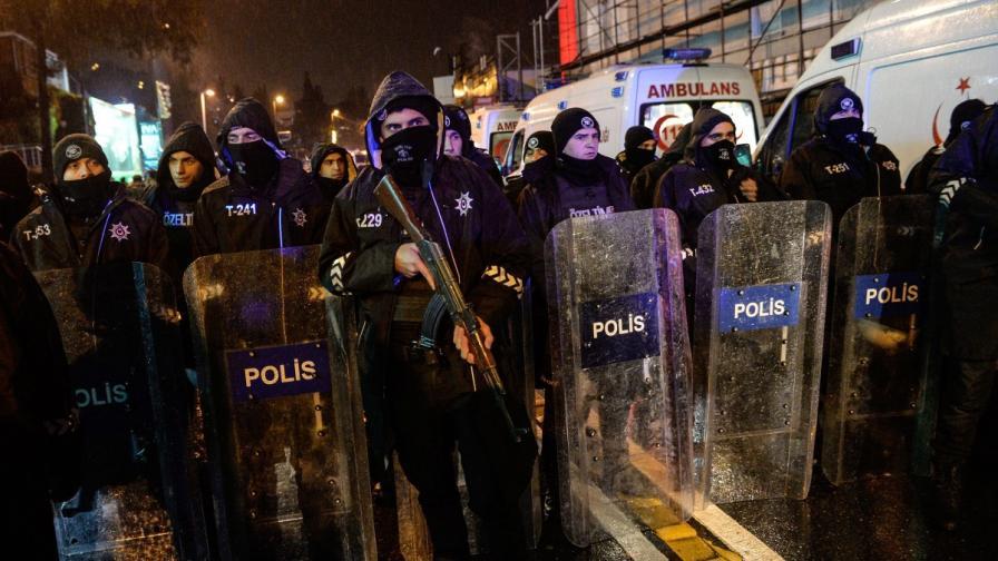 Турция залови двама китайски граждани след атентата на Нова година