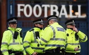 Бой в Ливърпул, твърди се, че има замесени футболни фенове