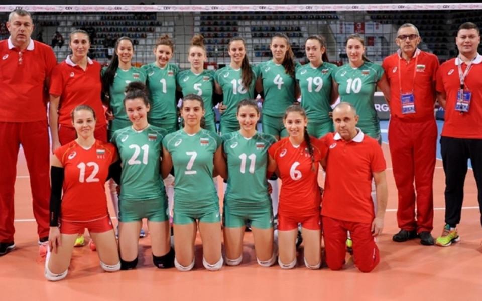 С две служебни победи девойките продължават в световните квалификации