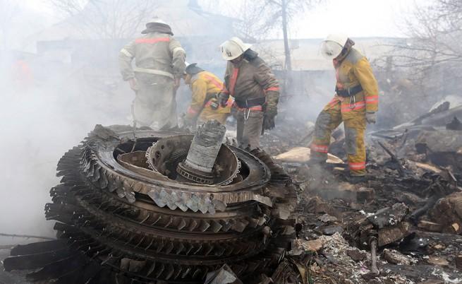 Какво причини самолетната катастрофа, убила 37 души и още...