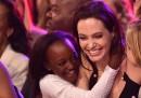 Истинската майка на дете на Джоли иска да го види