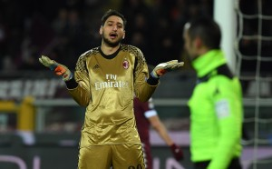 Тежко отвращение в Милан от Донарума и агента му