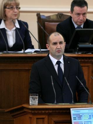 Румен Радев произнася първата си реч в НС